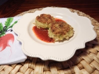 Chesapeake Crab Cakes with Sriracha Sauce