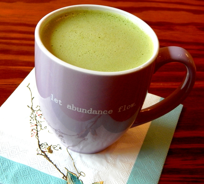 How To Make A Healthy Matcha Green Tea Spiced Latte