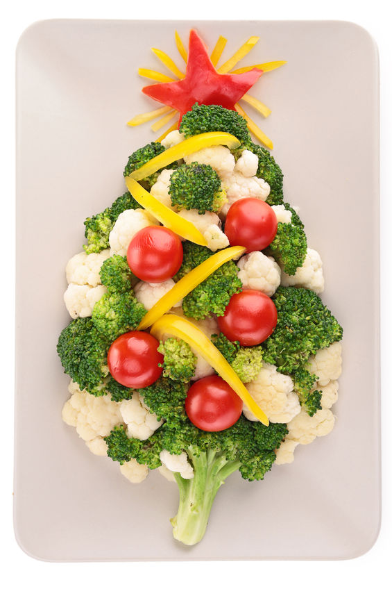 22799678 - christmas tree with vegetables
