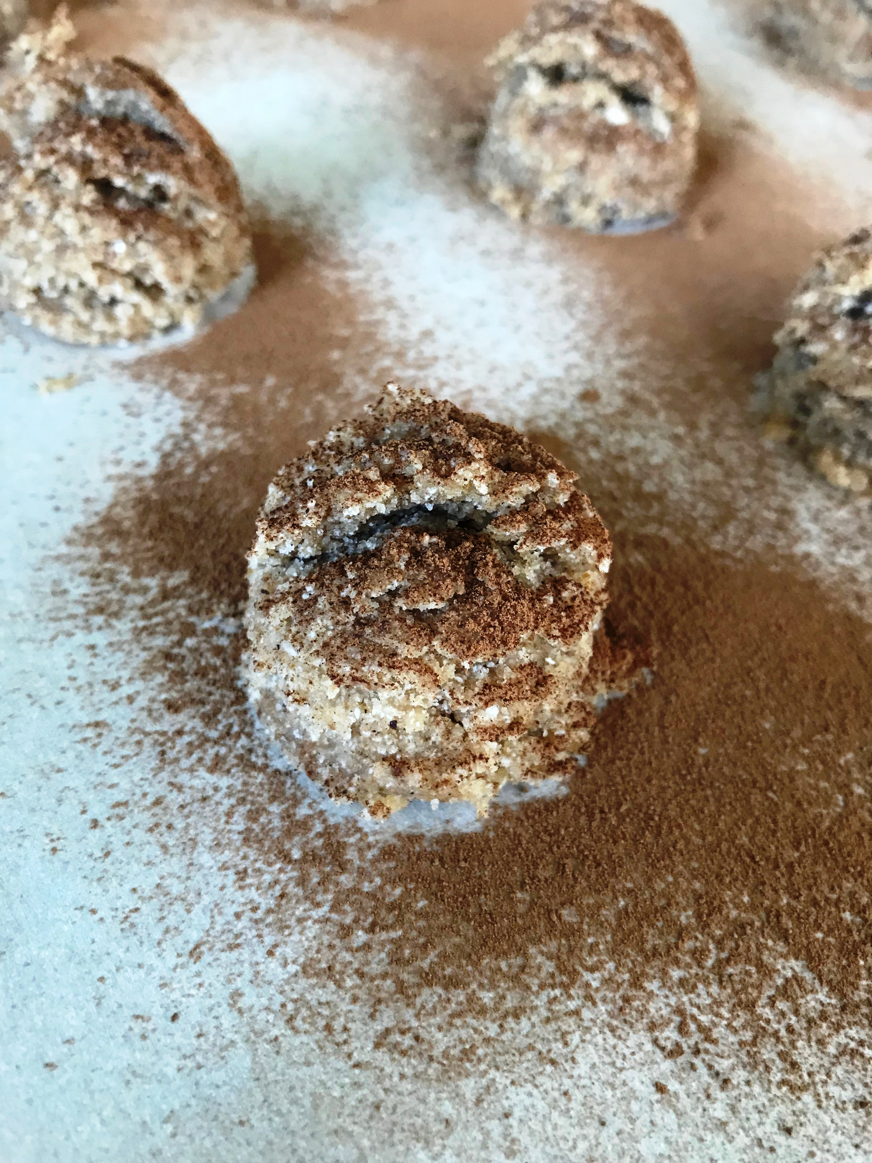 dusted snickerdoodle cookies ready to bake